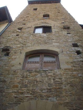 Torre_di_corso_donati,_scorcio